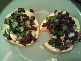 Hummus & black bean toast
