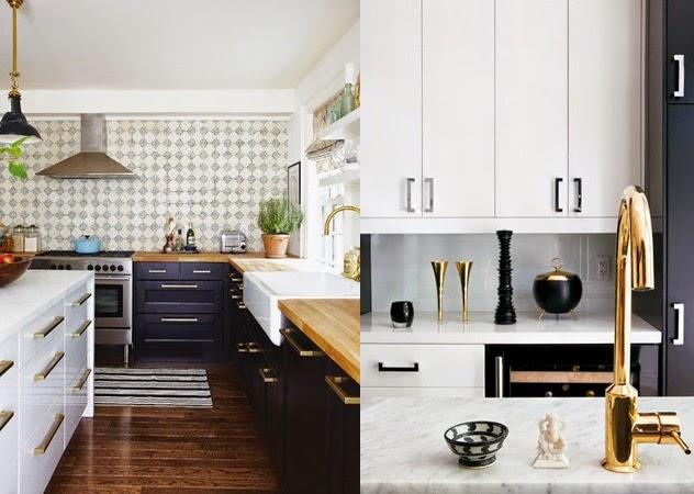 Torneira dourada, puxadores dourados, armários de cozinha preto e branco