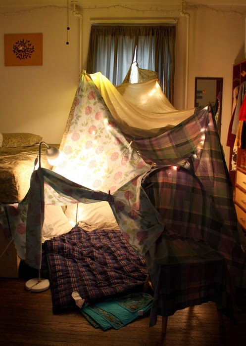 ... you can also place your tv inside and watch some nice movie with delicious popcorn and enjoy your lovely night inside your romantic indoor tent. & Hello: Romantic Indoor Tent