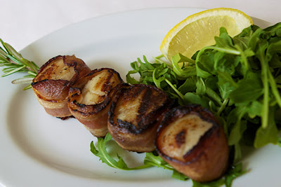 Grilled bacon Wrapped Scallop Skewer with Celery and Apple Salad | Healthy Bacon Recipe