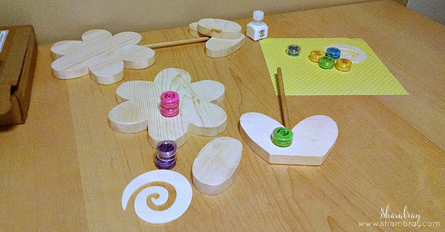 wood crafts, paint, brush, glitter, wood glue