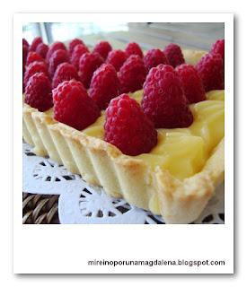 Tartaleta de crema de limón y frambuesas