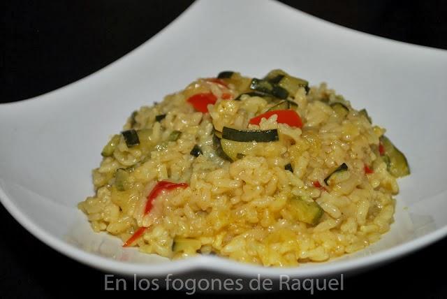 http://enlosfogonesderaquel.blogspot.com.es/2012/09/arroz-al-curry-con-verduras-olla.html
