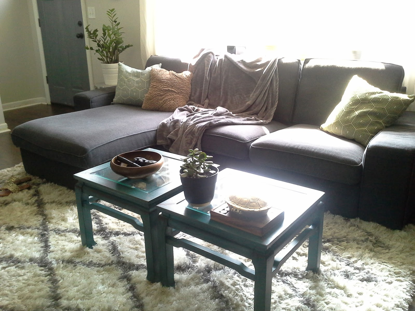 Lilly 39 s home designs living room working with what we have for Table chaise ikea