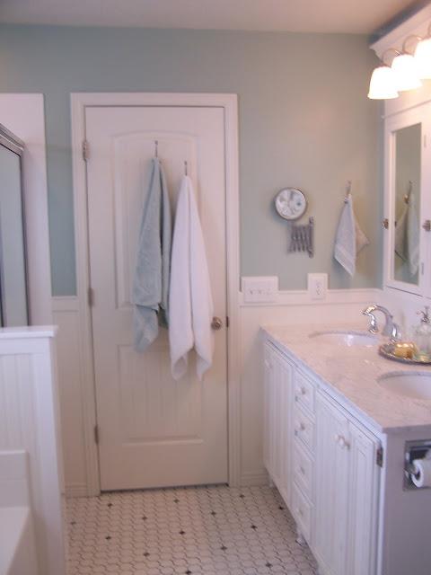 Remodelaholic complete diy master bathroom remodel for Show me remodeled bathrooms