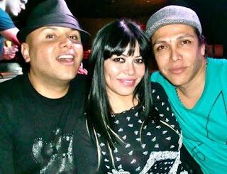 Teresa Espinoza junto a Carlos Cacho