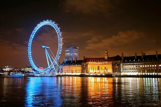 London Eye at night - top attractions