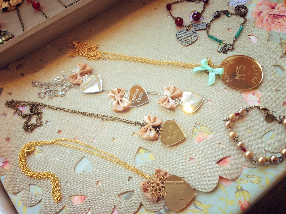 A little piece of grace les petites choses bijoux for Q significa contemporaneo