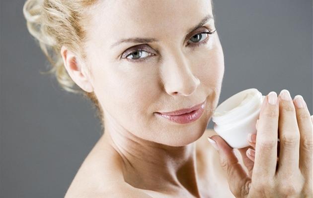 Las revocaciones sobre la parafina cosmética sobre la persona