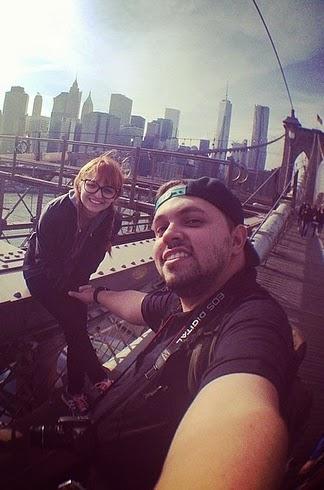 selfie en puente de brooklyn en nueva york
