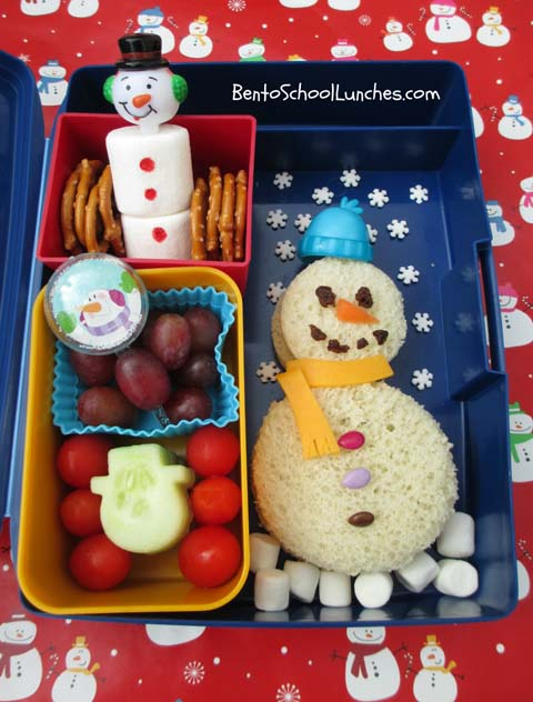 Snowman bento lunch. Created with circle cookie cutters.