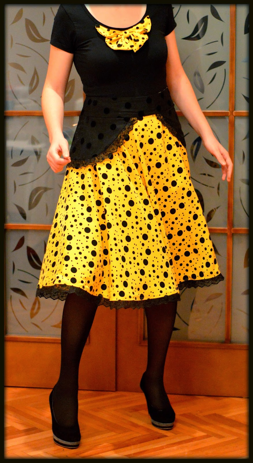 Yellow and black polka dots circle skirt with bow decorated t-shirt, two layer skirt