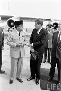 Ir.Sukarno dan Politik luar negeri 1