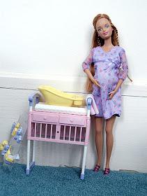 Foto - foto Boneka Barbie dari Hamil Hingga Proses Persalinan : Zona ...