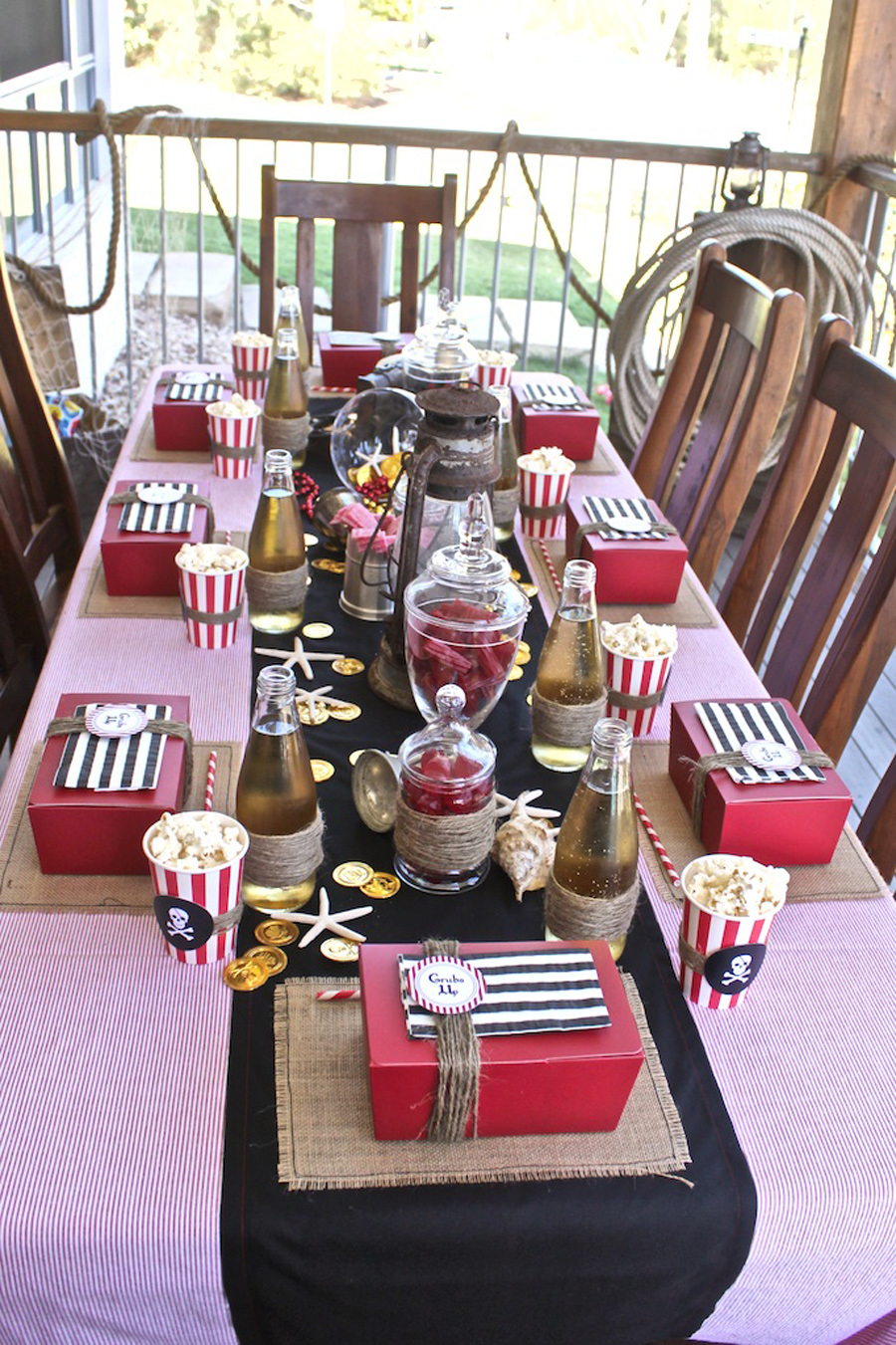 Kara 39 s party ideas captain hook pirate party kara 39 s for Childrens pirate bedroom ideas