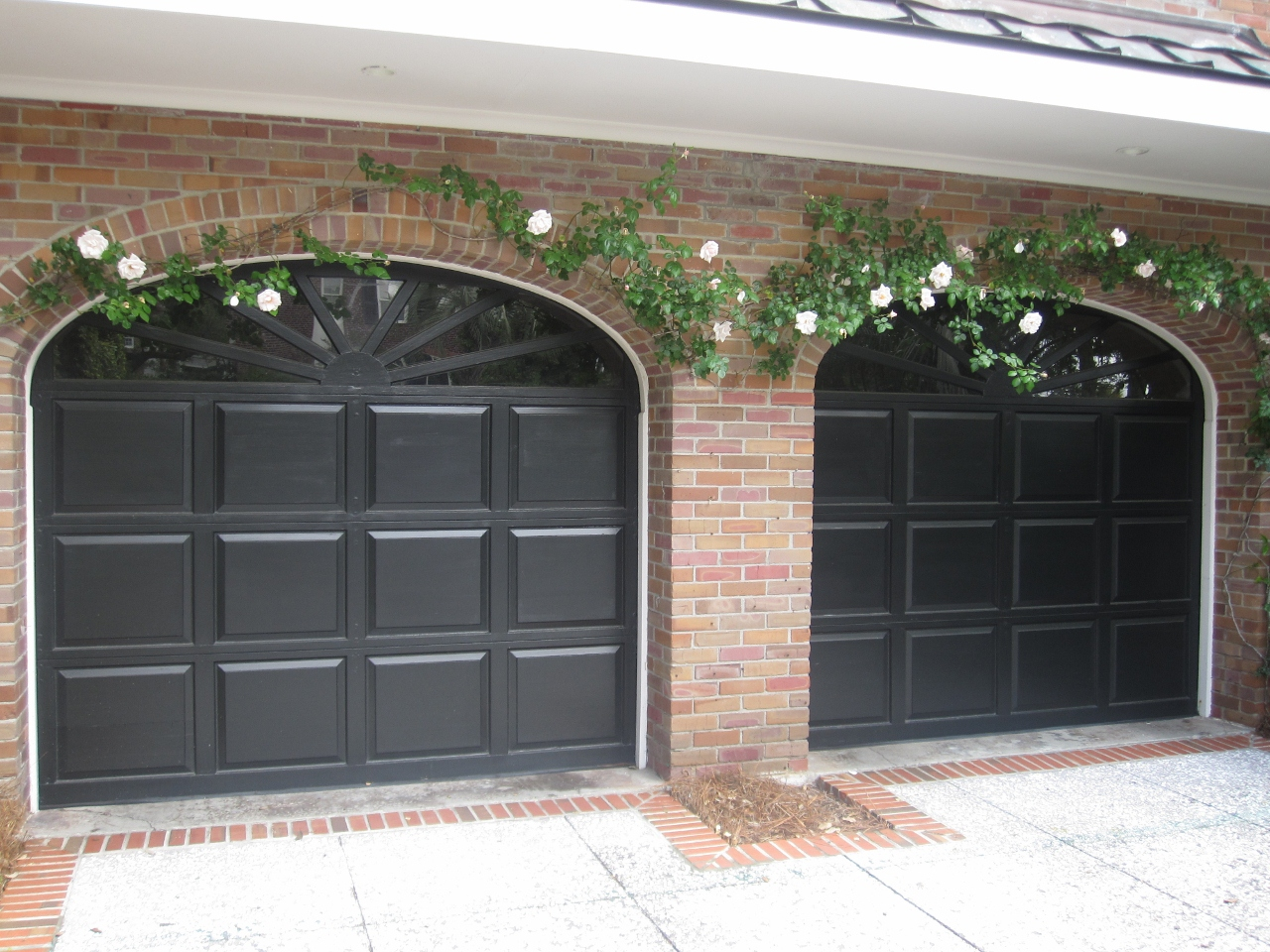 Henhurst southern charm for Beautiful garage doors