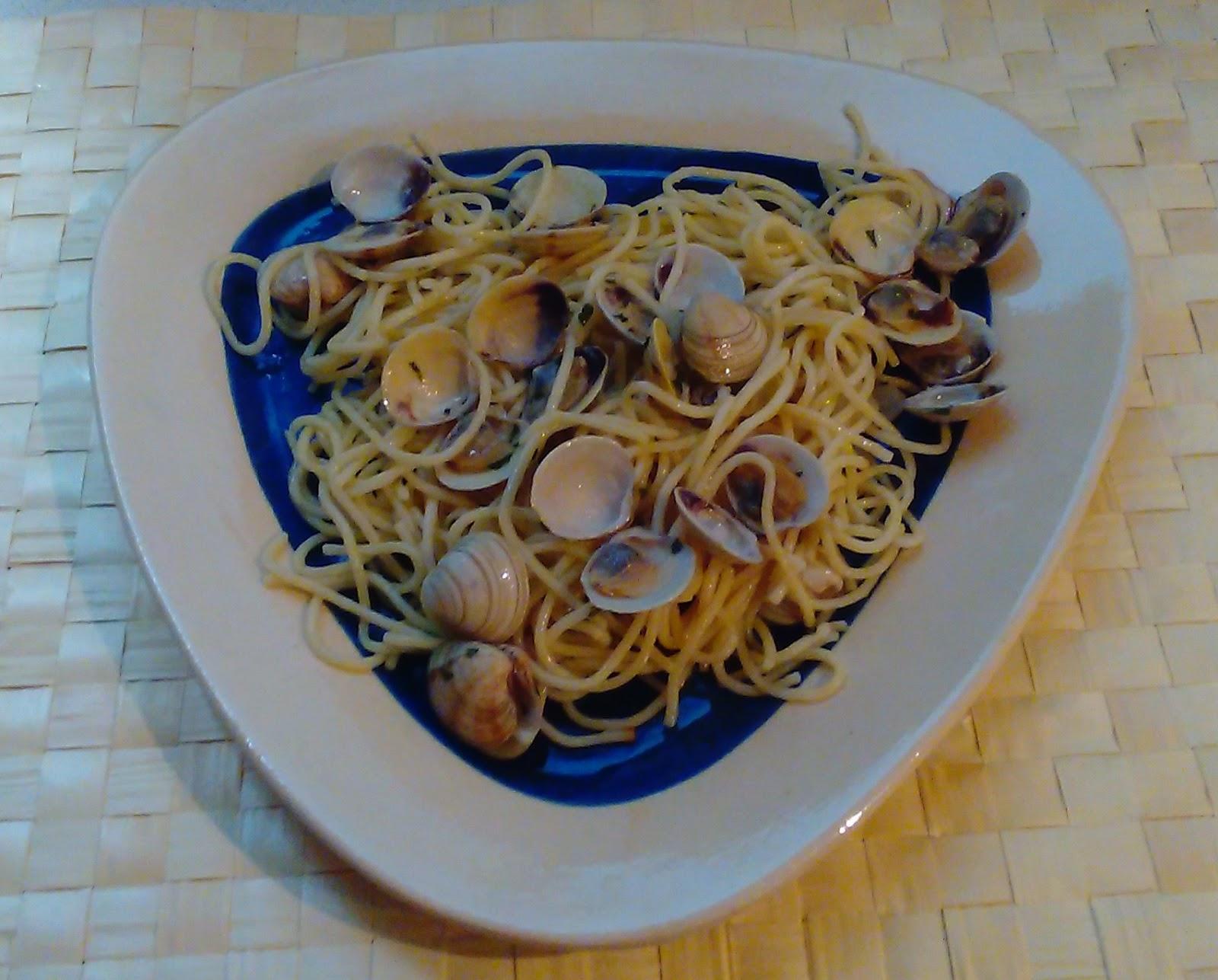 Las recetas de angelines spaghetti con chirlas - Espaguetis con chirlas ...