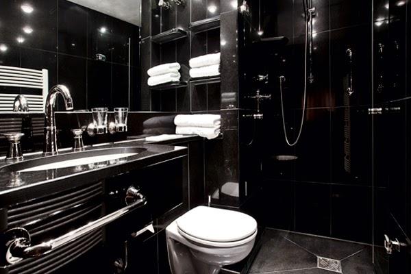 Baños Grises Pequenos:Diseño de baño moderno en color negro  En la decoración de baños