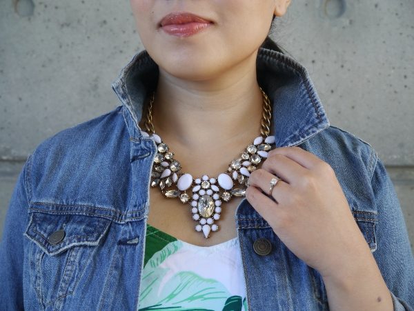 Happiness Boutique white statement necklace