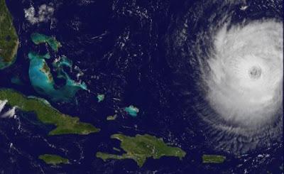 KATIA legt zu - fast Major Hurricane (Kategorie 3) - gefährlicher Wellengang US-Ostküste und Bermudas, Katia, September, 2011, Hurrikansaison 2011, Bahamas, Bermudas, US-Ostküste Eastcoast, Karibik, Atlantik, Satellitenbild Satellitenbilder,
