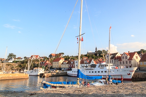 Amalie loves Denmark Ferien auf Bornholm, Gudhjem am Abend