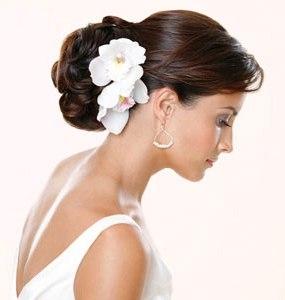 Peinados de novia en cara redonda
