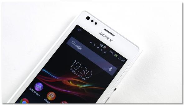Layar Sony Xperia M