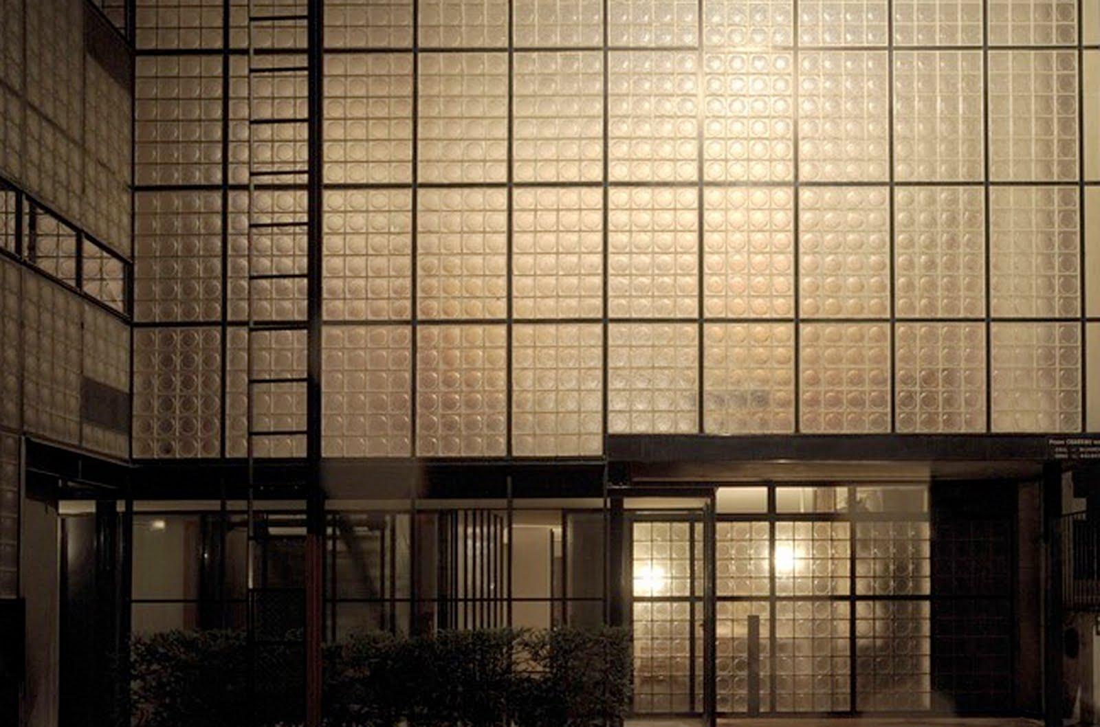 la maison de verre: chareau on the façade solution