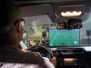kehebatan teknologi : main game pes 2016 bisa didalam mobil