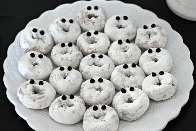 Delicious and Fun Treat Ideas for Your Child's School Halloween Party