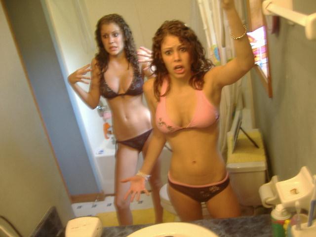 FotosNua.Com amigas do orkut peladas no banheiro