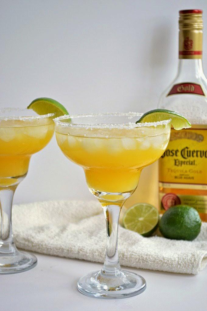 mango Margarita drink