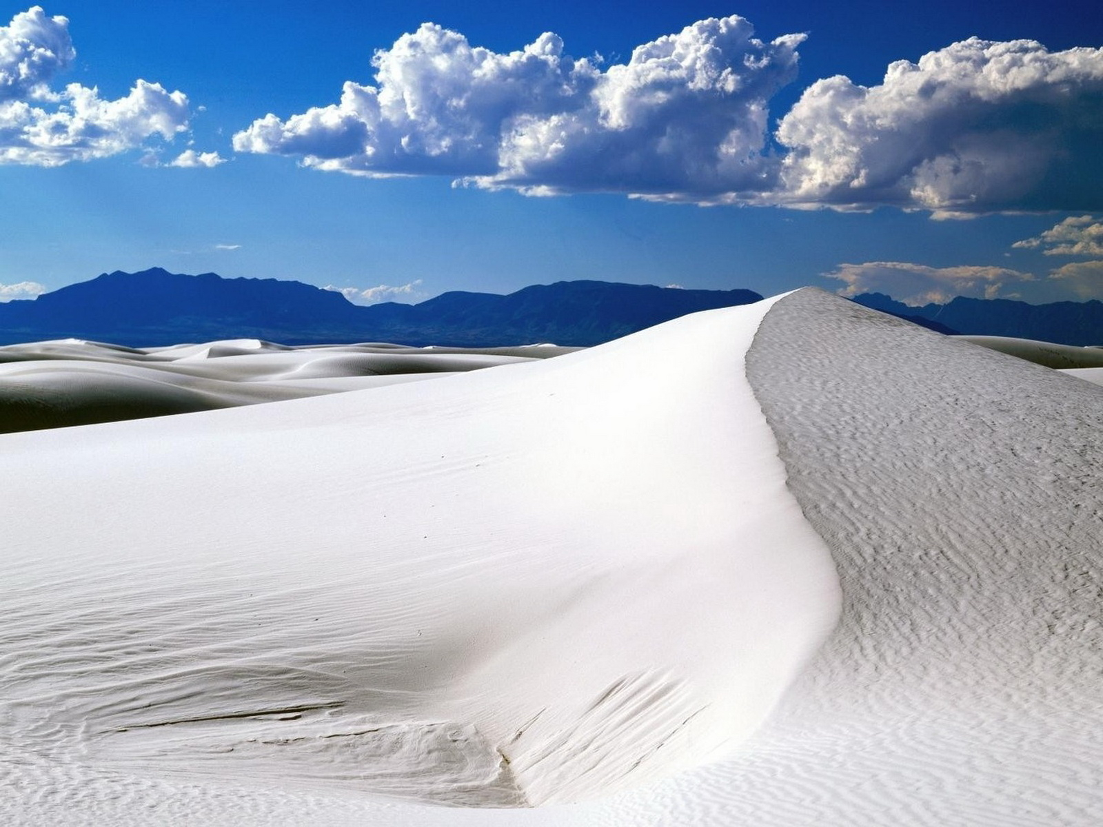 White Desert HD Wallpaper