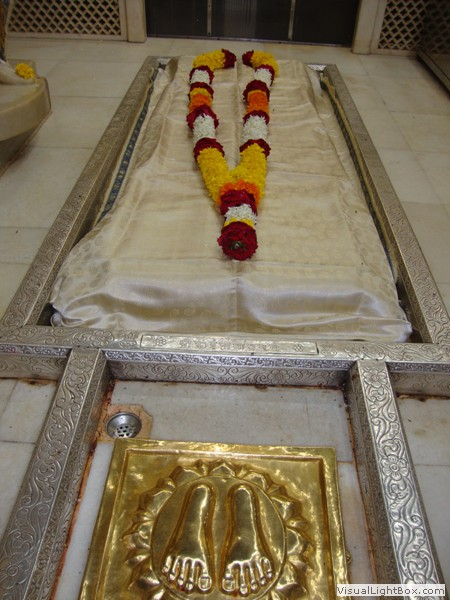Open Your Heart To Know What, Who And Where Shree Sai Baba Is