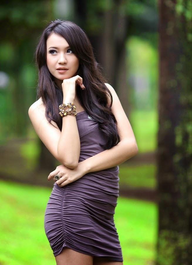Foto Bugil Ngentot Tante Sambil Cipokan - Bokep Indonesia
