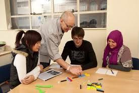 Guru Les Privat SD SMP SMA ke Rumah di jakarta  Barat bisa anda dapatkan di zigma private lembaga penyedia jasa guru les privat datang ke rumah