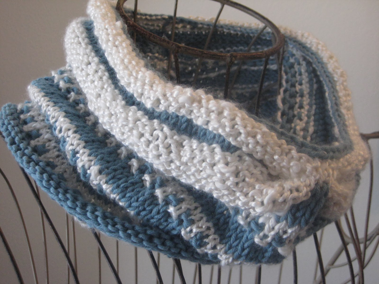 Balls to the Walls Knits: Porcelain Moon Cowl