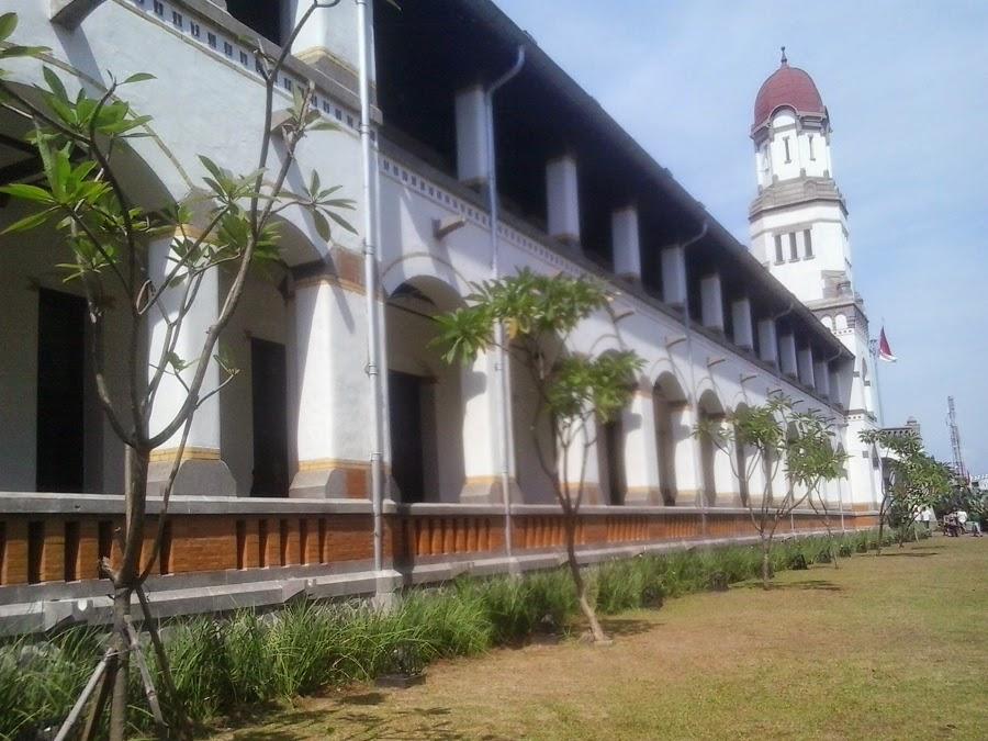 Koridor Lawang Sweu tampak dari samping