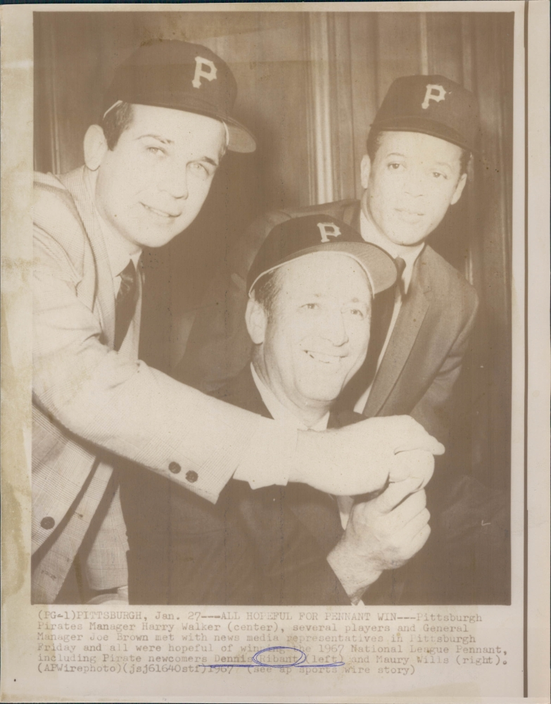Dennis Ribant & Maury Wills with Manager Harry Walker 1967