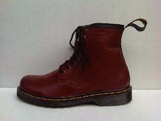 sepatu dookmart,sepatu high murah,