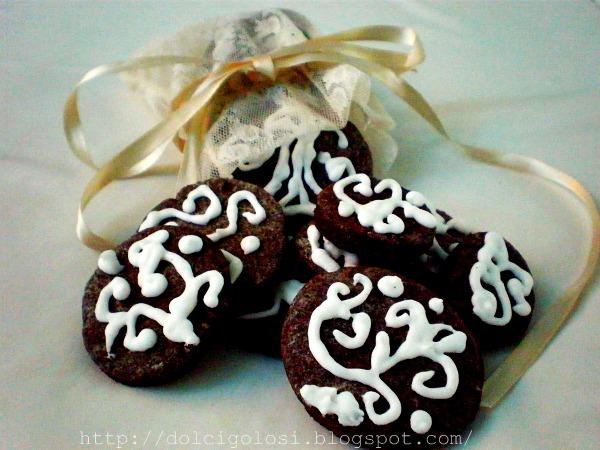 Dolcigolosità-biscotti al cacao glassati