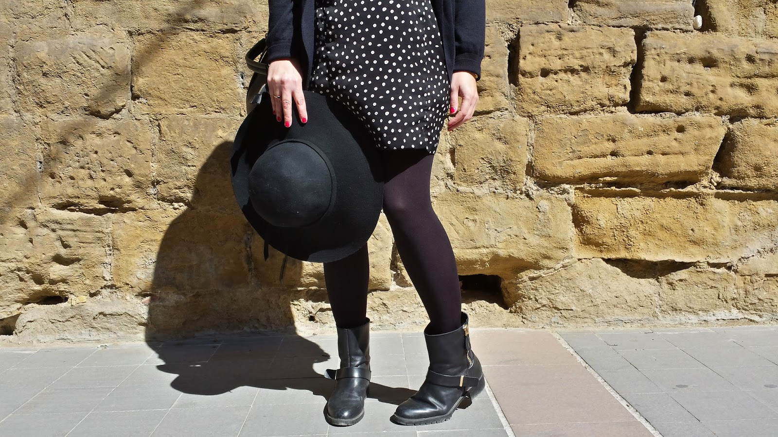 Sombrero de ala ancha para entretiempo, tendencia boho chic