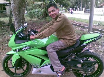 kawasaki 250cc..is my bake