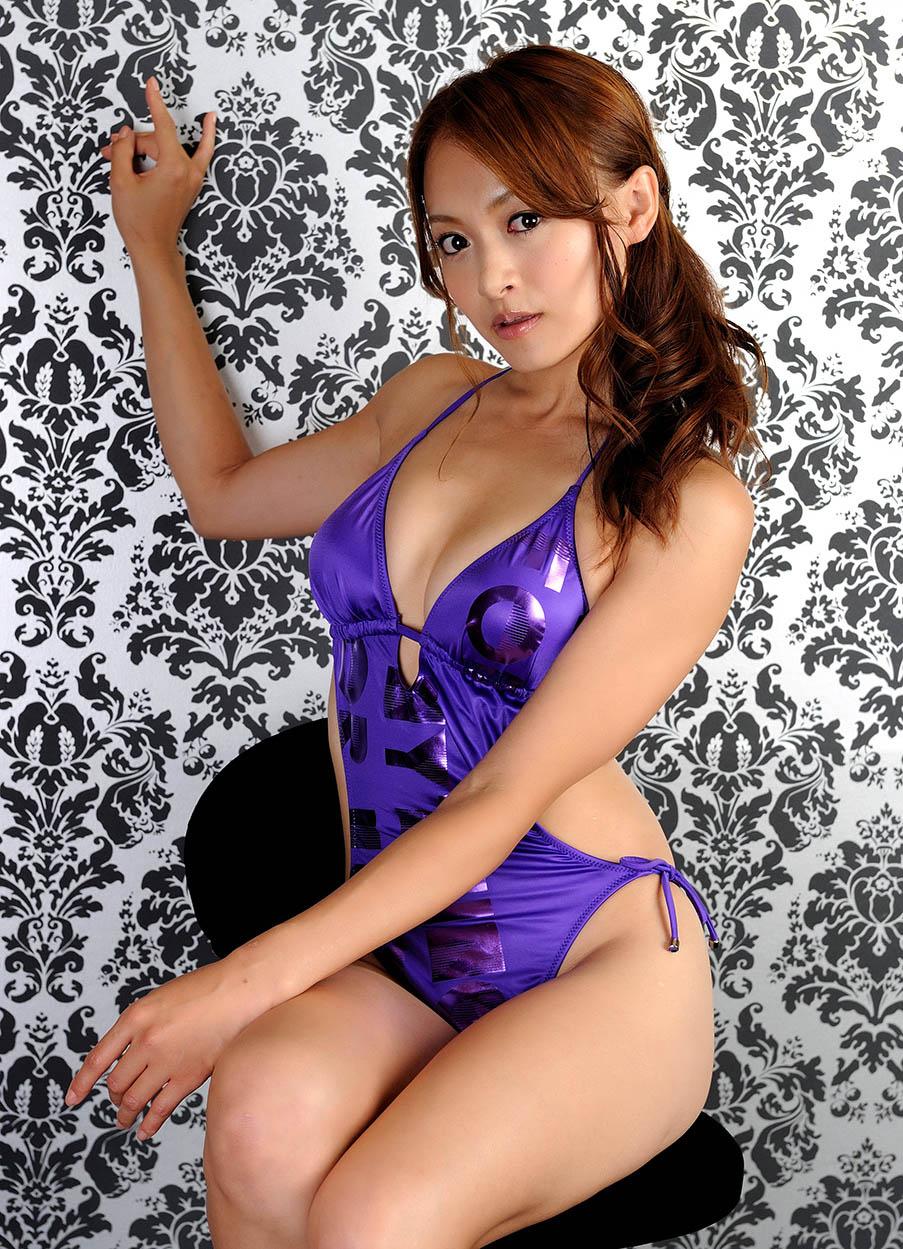rina itoh hot one piece bikini pics 02