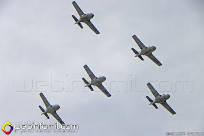 Demostración de la Escuadrilla Tango con sus T-37 Tweet del CACOM 1 de la Fuerza Aérea Colombiana.