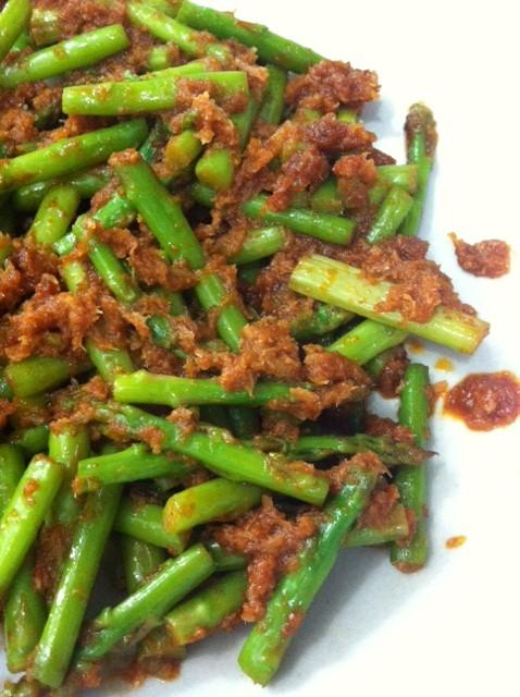 Samantha's Kitchen: 三拜虾米芦笋 ~ Sambal Hair Bi Asparagus