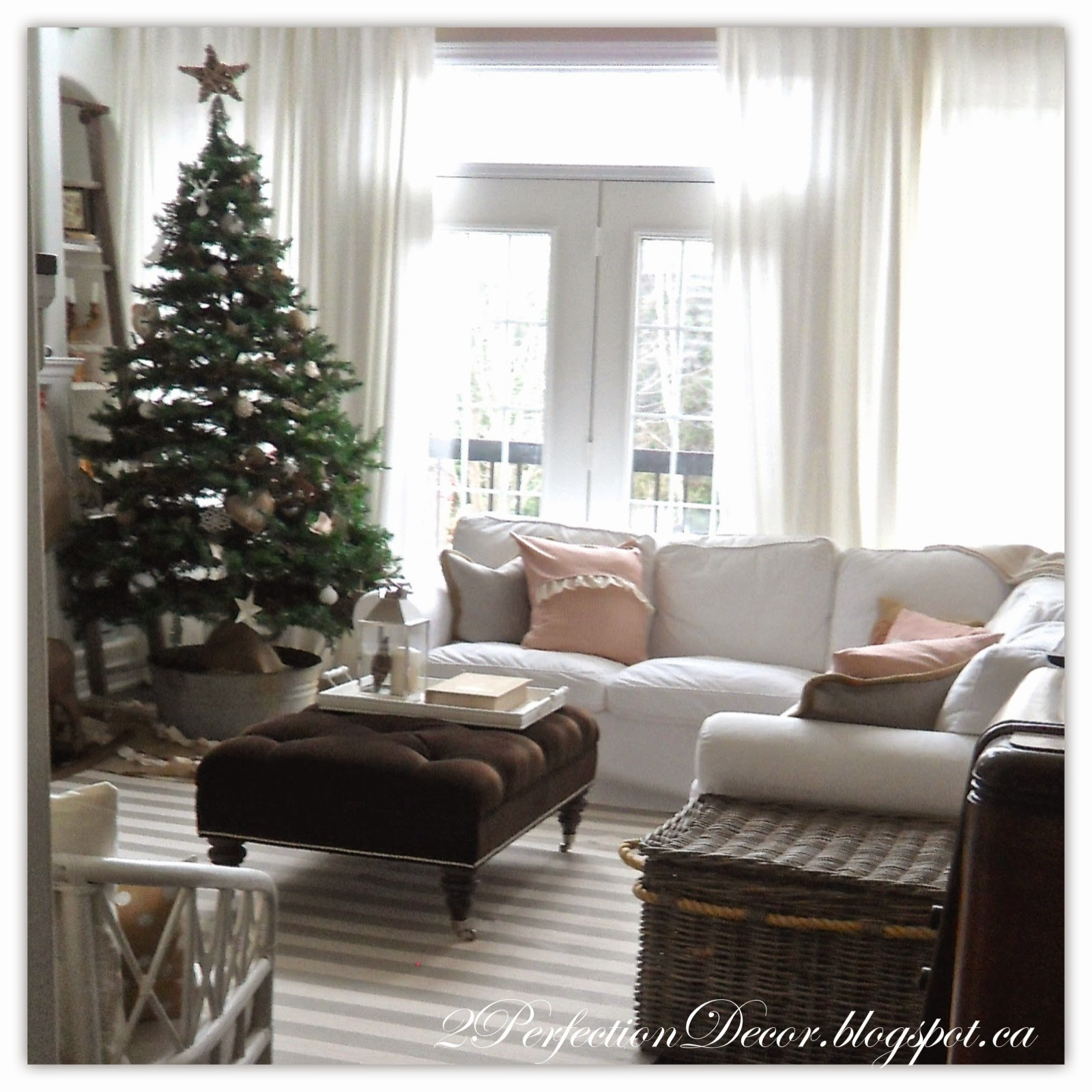 neutral christmas decor in our family room - Neutral Christmas Decor