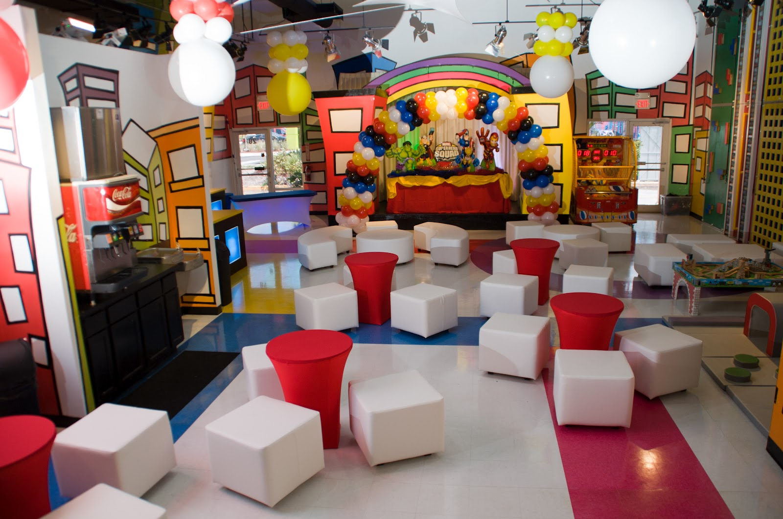 Minitown party indoor party place our new party lounge for Indoor party places for kids
