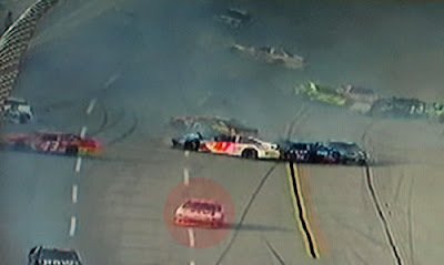 Greg Biffle misses 25 car Talladega wreck on the last lap