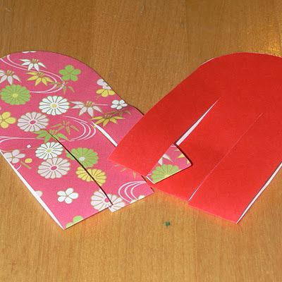 how to weave the paper to make a swedish woven paper heart basket - step 1